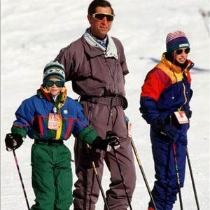 VINTAGE SKI AND SNOW GEAR!